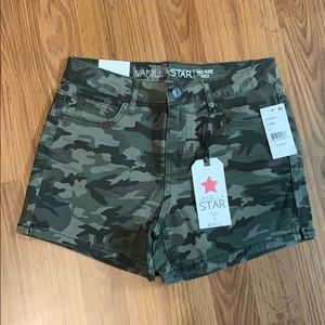 Vanilla Star Mid Rise Midi Camo Shorts